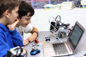 Кружок робототехники для детей в Махачкале.